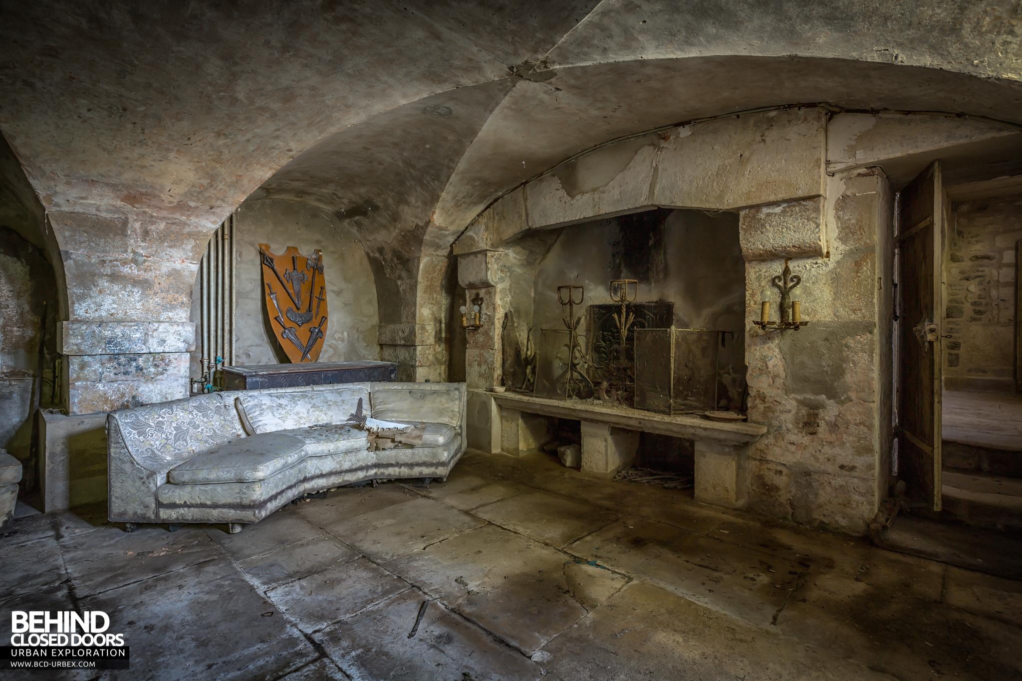chateau-french-house-13.jpg