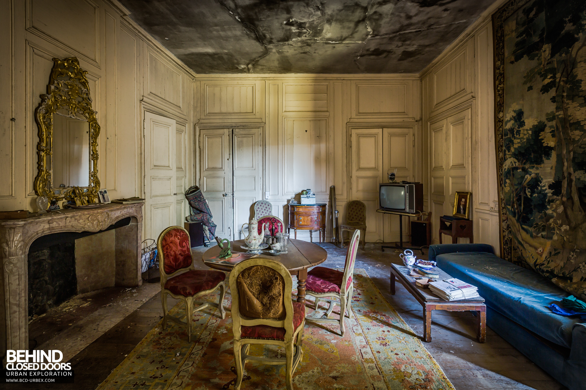 chateau-french-house-16.jpg