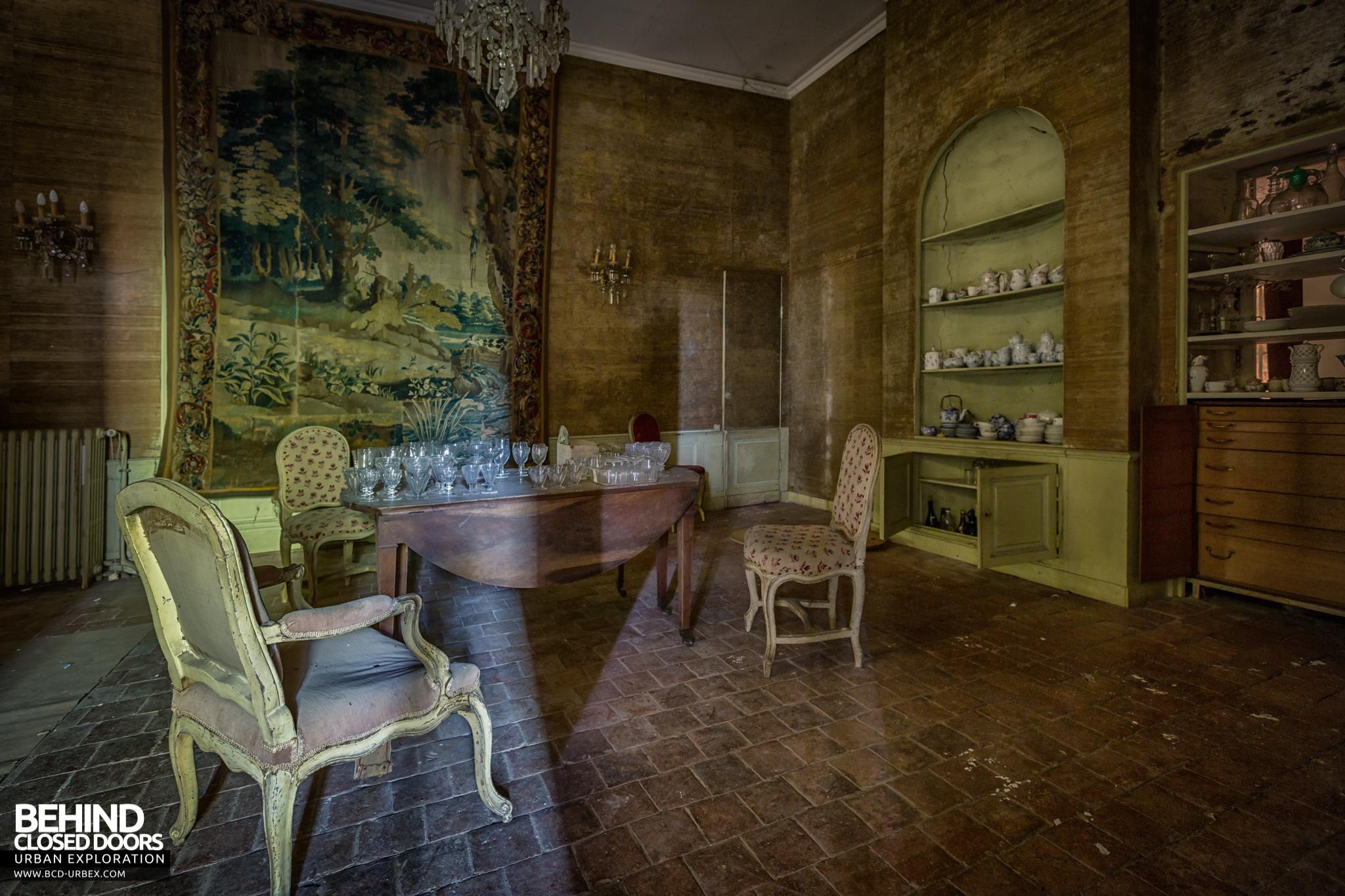 chateau-french-house-3.jpg