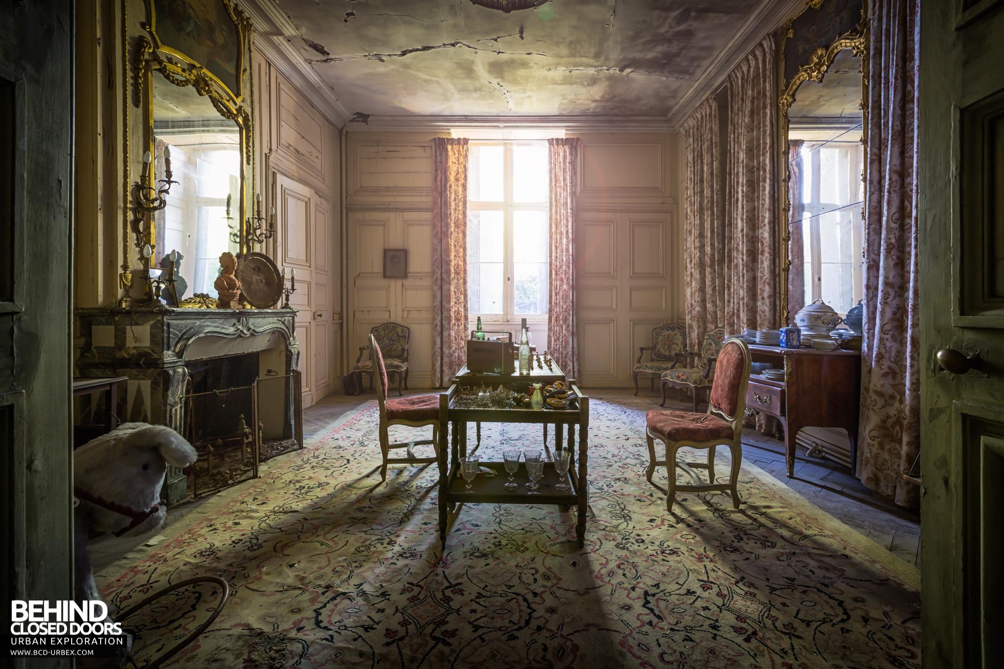 chateau-french-house-8.jpg