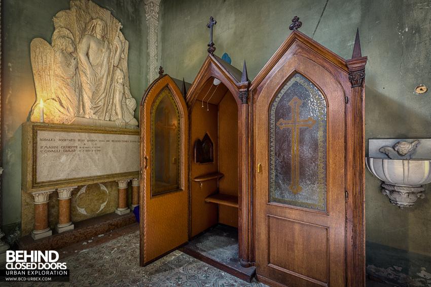 blue-chapel-18.jpg